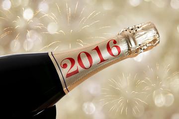 2016 auf Champagner Flasche