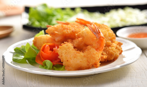 Fotobehang Schaaldieren Fried Shrimp with vegetable on white plate