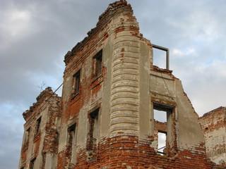 Руины старинного здания