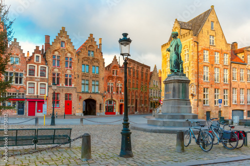 Leinwanddruck Bild Jan Van Eyck Square in Bruges, Belgium