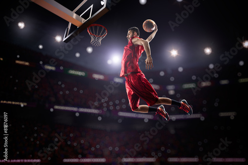 Plagát red Basketball player in action