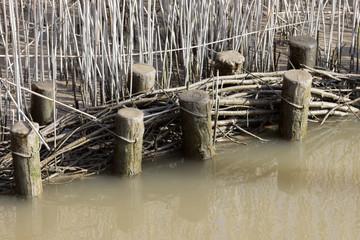Uferbefestigung im Hafen/ Variation