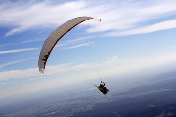 Paraglider fly