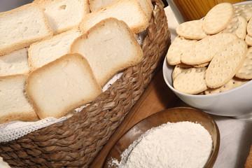 biscuits crackers flour