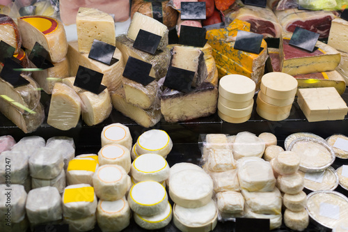 Keuken foto achterwand Boodschappen Assortment of fresh European cheese