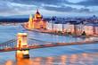 Leinwanddruck Bild - Budapest with chain bridge and parliament, Hungary