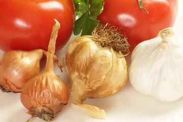 ail, échalotes et tomates 21042015