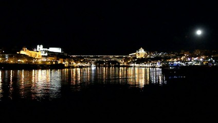 Porto, Portugal: Panoramic night view over Douro river