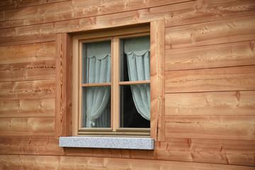 finestra legno finestre