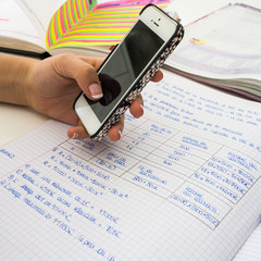 smartphone et devoirs