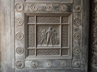 ロサンゼルス シティーホール 扉のレリーフ