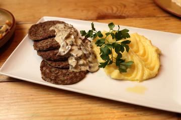 Pancakes chicken liver with creamy mushroom