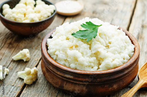 creamy cauliflower garlic rice - 81953025