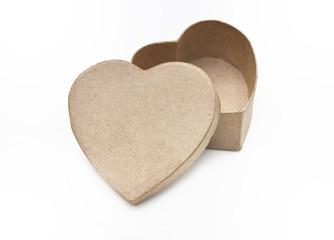 carton recyclé en forme de cœur