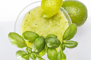 Green apple smoothie, with basil and lime slice