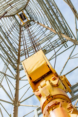 oil derrick with top drive for ocean drilling