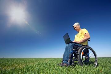 Arbeit im Freien mit Handicap