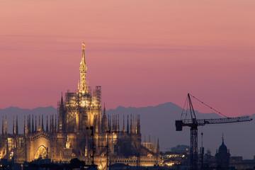 Tramonto rosa dul Duomo di Milano