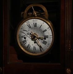 gold antique mantle clock