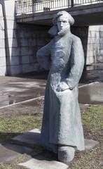 Памятник Владимиру Антонову-Овсеенко. Санкт-Петербург