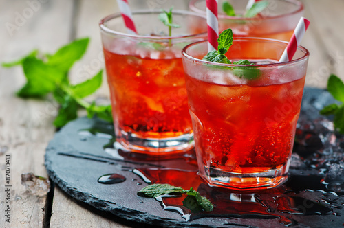 Red Cocktail with mint and ice - 82070413