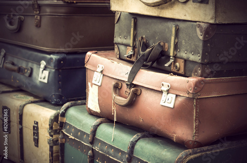 Leinwanddruck Bild vintage leather suitcases