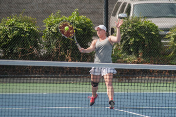 Aggressive forehand volley