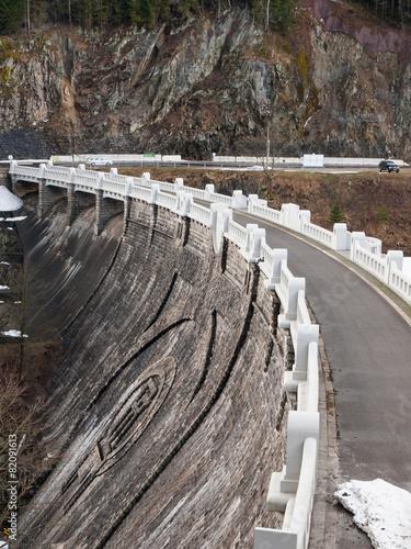 Labe Dam - 82091613