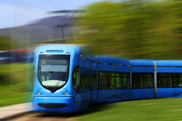 Straßenbahn _ Blau