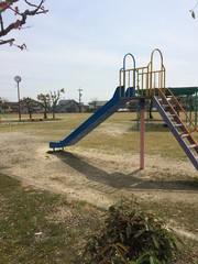 公園の滑り台
