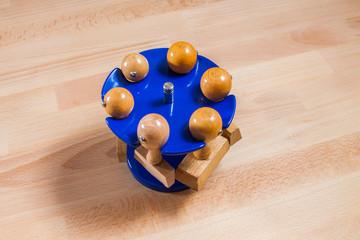 Stempel und Stempelhalter am Schreibtisch