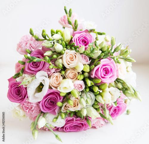 Zdjęcia na płótnie, fototapety, obrazy : Wedding fower bouquet with pink roses