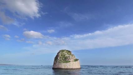 Torre in mezzo al mare