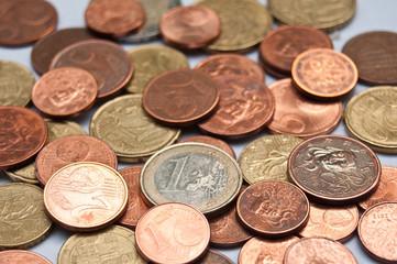 pièces de monnaie d'euros et cents