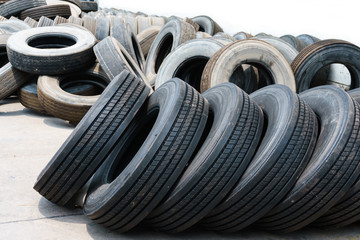 Car tires with alignment in heap