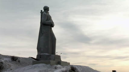 Murmansk city hero - a monument to soldiers on the shore