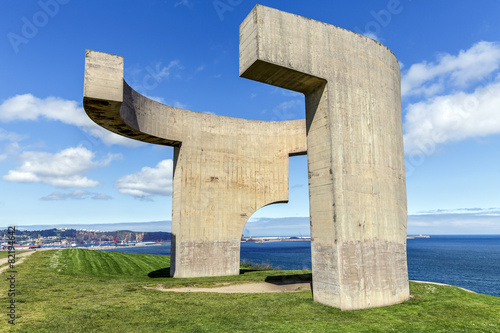 Leinwandbild Motiv Eulogy of the Horizon in Gijon, Spain.