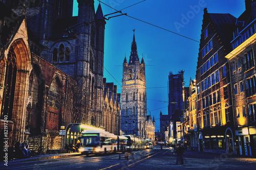 Ghent centrum miasta przy nocą