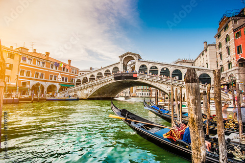 Plagát, Obraz Canal Grande with Rialto Bridge at sunset, Venice, Italy