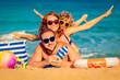 Leinwanddruck Bild - Family at the beach