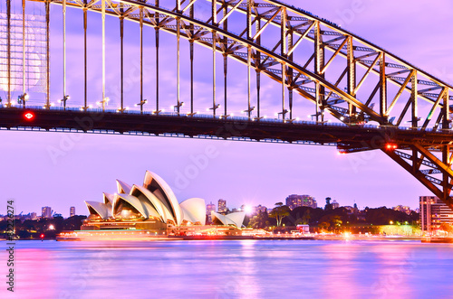 Aluminium Purper View of Sydney Harbor at twilight