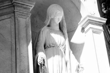 Statua della vergine Maria