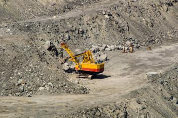 карьер по добыче полезных ископаемых асбеста