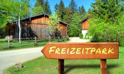 Strassenschild 32 - Freizeitpark