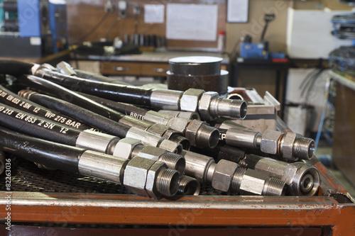 Leinwanddruck Bild hydraulic hoses