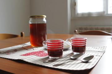 Tazzine di caffè con miele