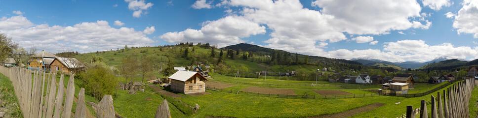 Панорама в Карпатском селе Гуцульщина