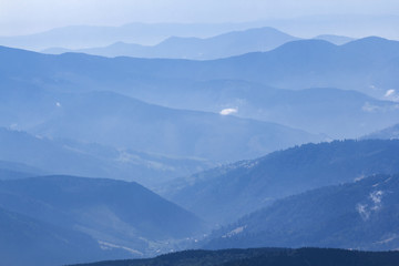 blue misty mountain chains