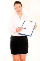 Frau mit Schreibbrett und Stift