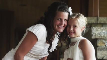 MS TU Portrait of bride and flower girl (10-11) / Draper, Utah, USA